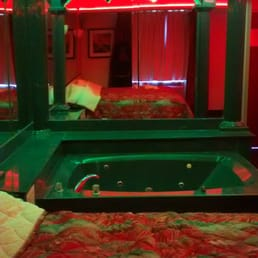 Photo Of Pelham Garden Motel   Bronx, NY, United States. View Of Jacuzzi Great Pictures