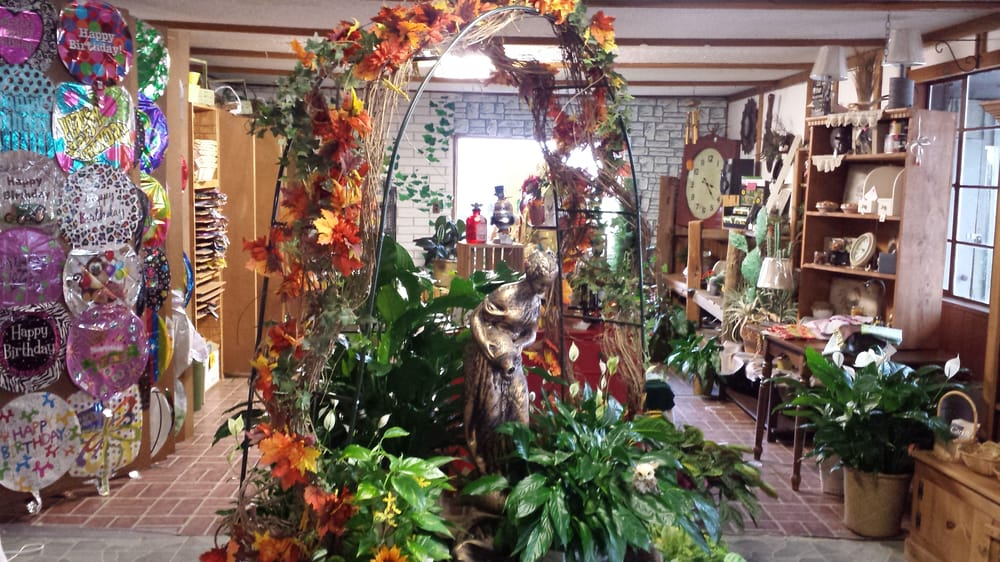 Colony Floral & Greenhouse: 201 Colony Ave, Kinsley, KS