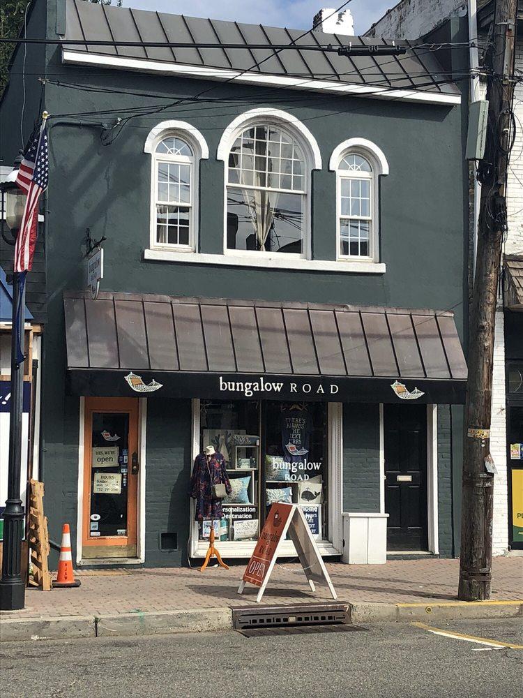 Bungalow Road: 78 1st Ave, Atlantic Highlands, NJ