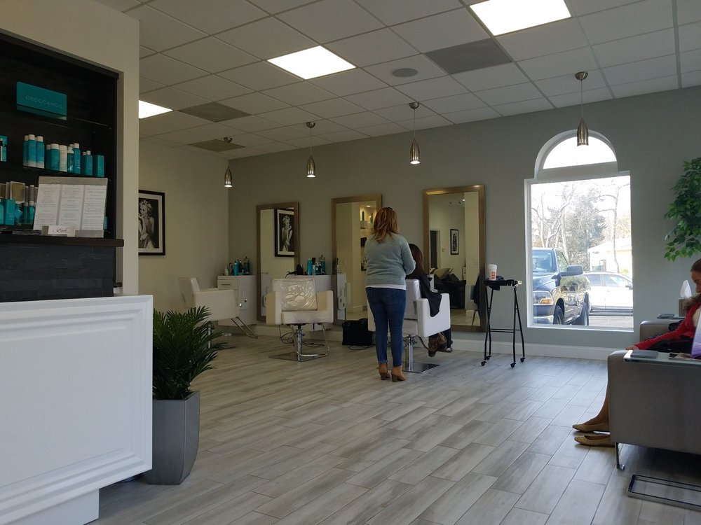 Lush Blow Dry & Beauty Bar: 42 Terry Rd, Smithtown, NY