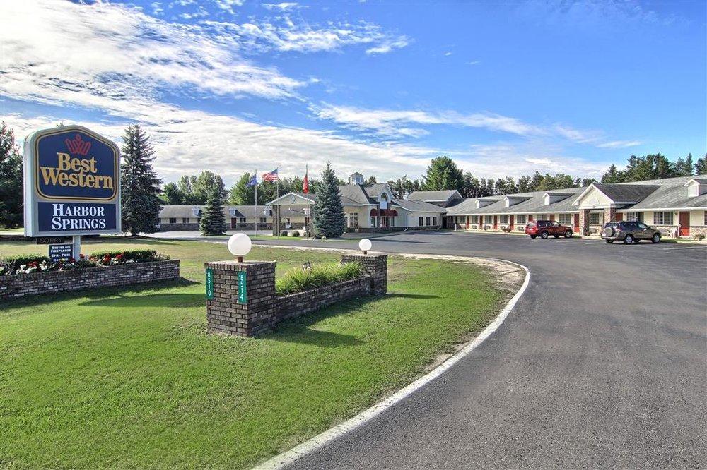 Best Western Of Harbor Springs 34 Photos 15 Reviews Hotels 8514 M 119 Mi Phone Number Yelp