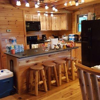 Cedar grove lodging 37 photos holiday rentals 19555 for New kitchen cedar grove