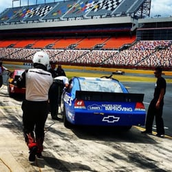Rusty wallace racing experience charlotte motor speedway for Charlotte motor speedway phone number