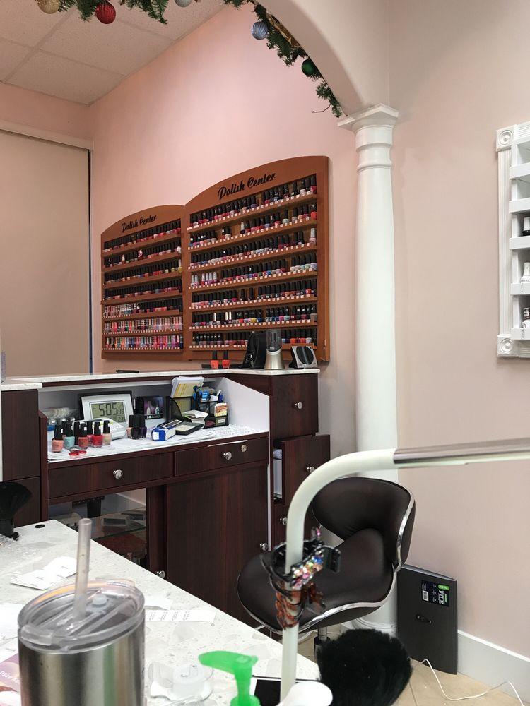Tipsy's Nail Salon: 2714 W Lake Houston Pkwy, Houston, TX