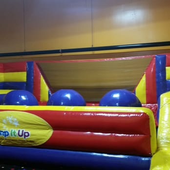 Pump It Up Of Kingwood 22 Photos 16 Reviews Kids Activities