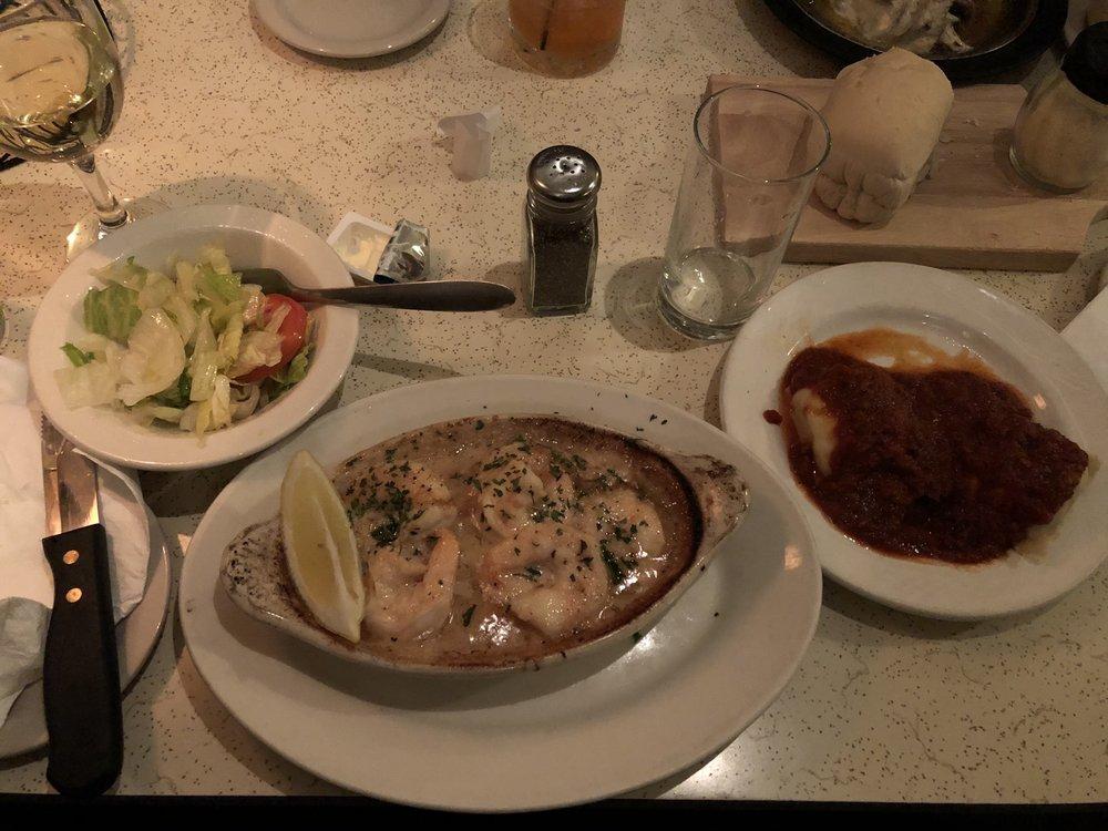 Annie's T&T Steakhouse: W598 County Rd N, Niagara, WI