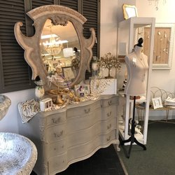 Nella Home Interiors & Gifts - Gift Shops - 516-E Courthouse Rd ...