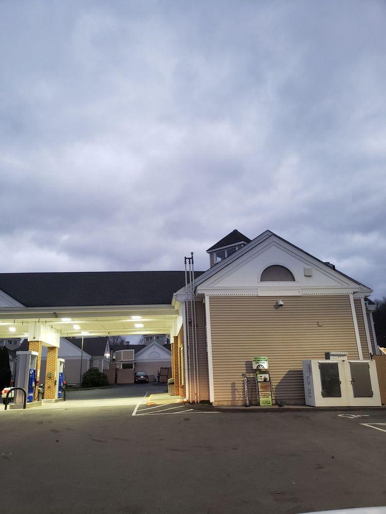 Southbury Convenience: 997 Main St S, Southbury, CT