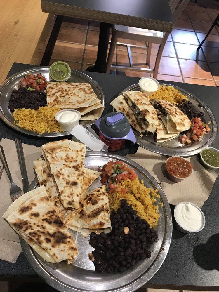 Food from Bueno Y Sano