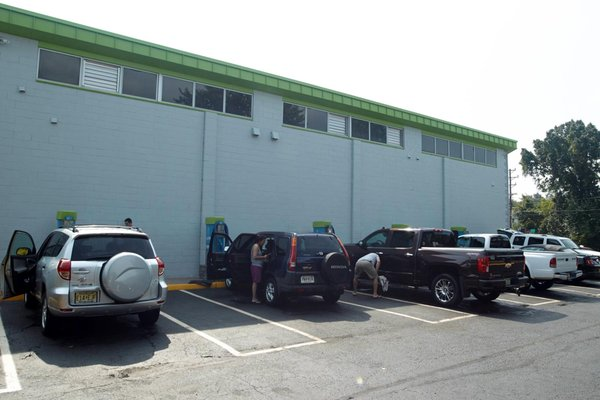 Glow express car wash 1551 state rte 27 edison nj car washes mapquest solutioingenieria Image collections