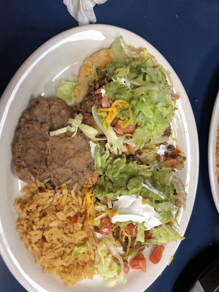 Taqueria El Rodeo De Jalisco: 409 19th St, Hondo, TX
