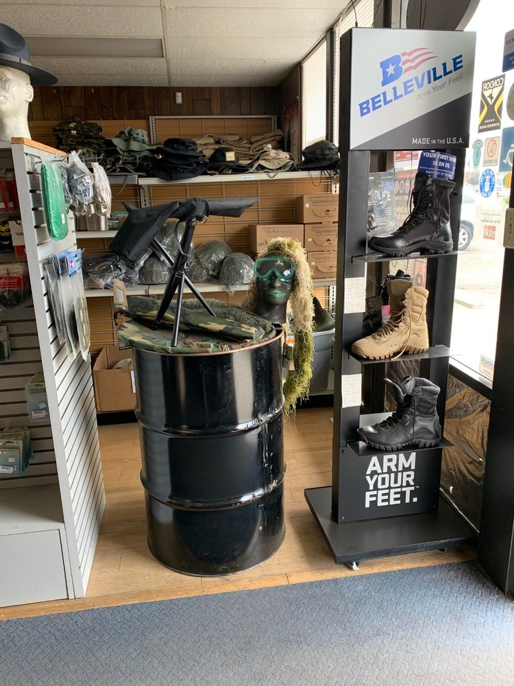 Top's Military Supply: 605 W Shaw Ave, Clovis, CA