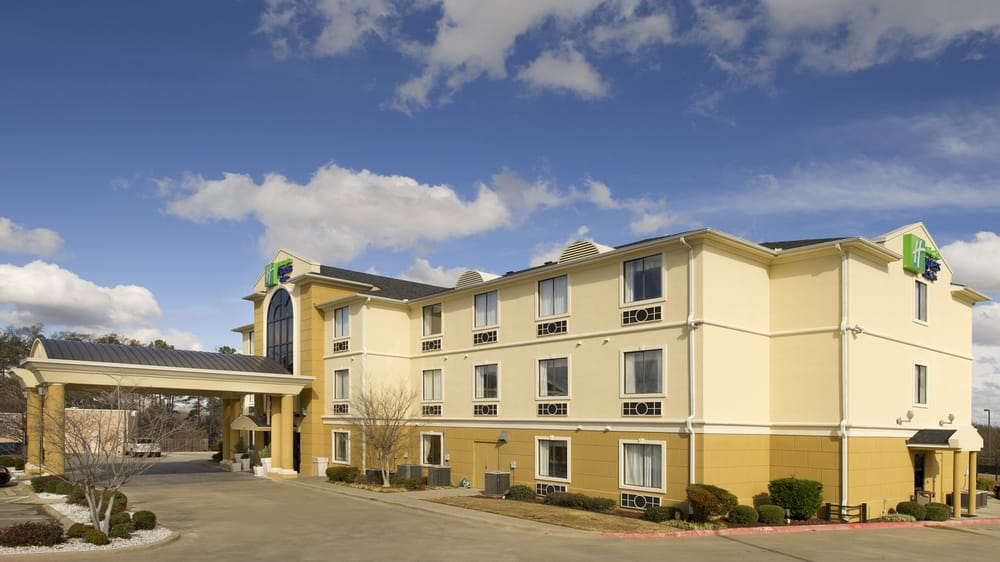 Holiday Inn Express & Suites Mount Pleasant: 2306 Greenhill Rd, Mount Pleasant, TX