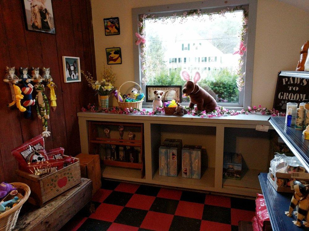 Paws To Groom: 89 Main St, Marlborough, NH