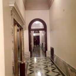 Pasillo del hotel yelp for Piso 9 del hotel madero