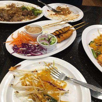 Boonsee Thai Kitchen 132 s & 332 Reviews Thai