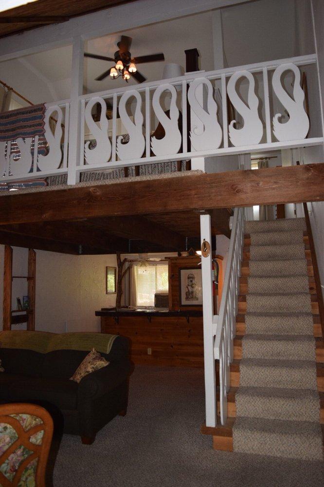 Sierra Mountain Lodge - Yosemite: 45046 Fort Nip Trl, Ahwahnee, CA