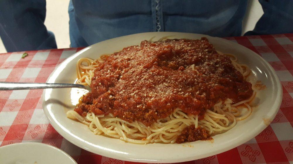 Nicky's Saucy Italian: 901 S Parkway Dr, Alvarado, TX
