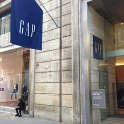 GAP - Abbigliamento femminile - Via del Corso 472 cad8db88ca31