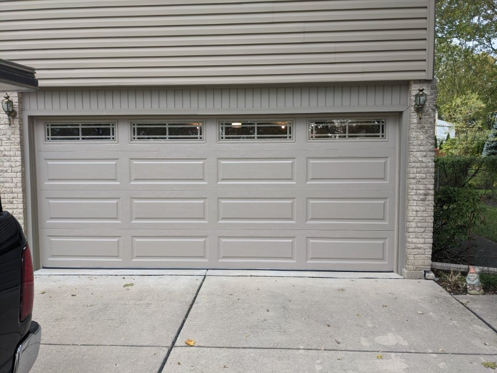 On A Roll Residential Garage Doors: 1 E Clarendon St, Prospect Heights, IL