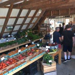 Beech Hill Farm - Farmers Market - 171 Beech Hill Rd, Mount