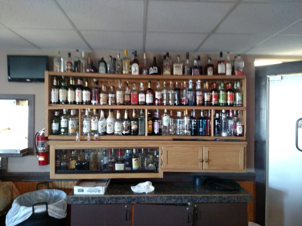 The J Sports Bar & Grill: 333 S 1st St, Albion, NE