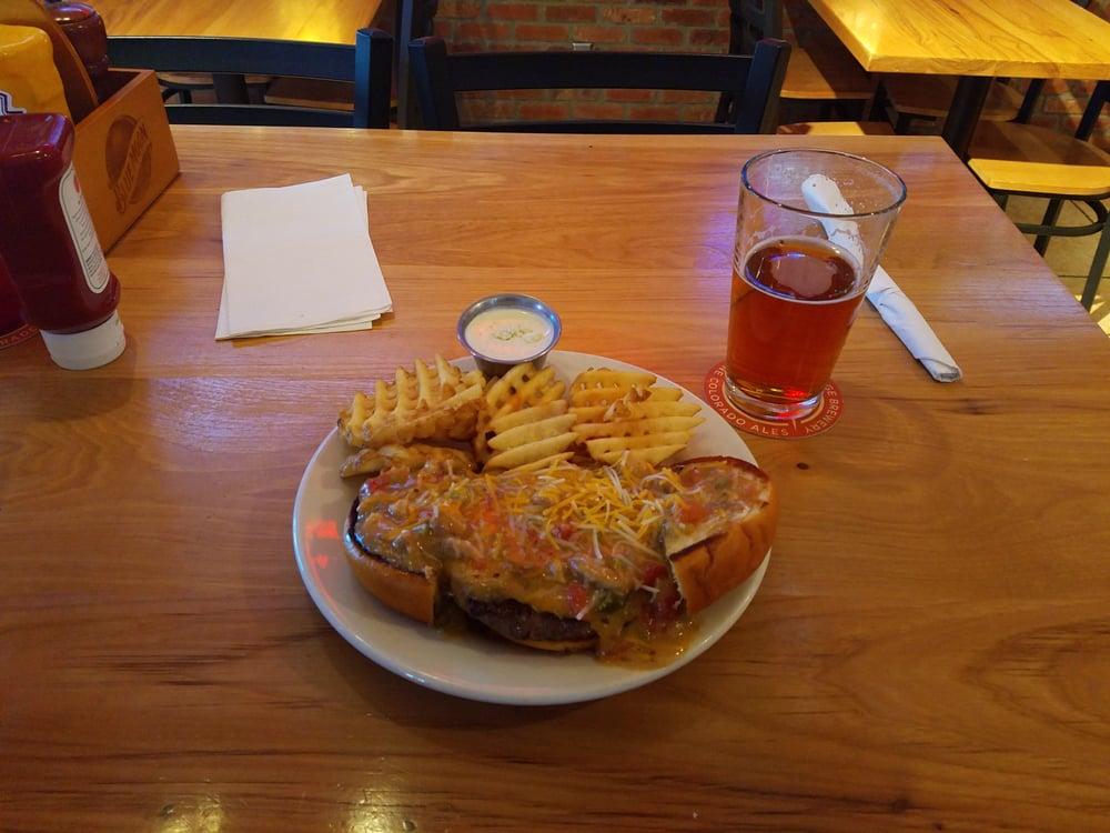 Wyatt's Pub and Grill