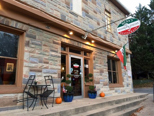 Mena S Pizzeria Italian Restaurant 914 W Washington St Harpers Ferry Wv Mapquest