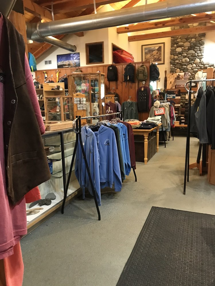 Peak 6 Tours & Gift Shop: 4883 Upper Hoh Rd, Forks, WA
