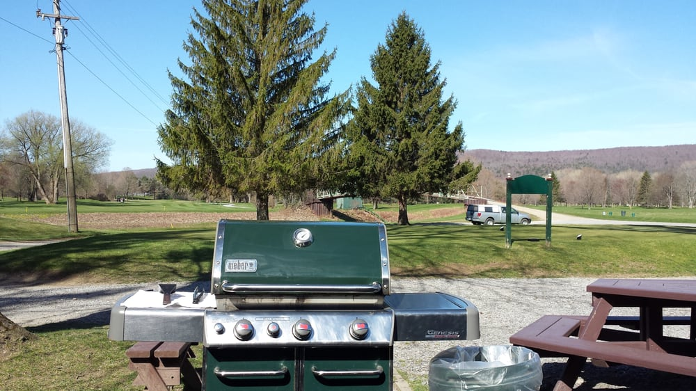 Wellsville Country Club & Restaurant: 3006 Riverside Dr, Wellsville, NY