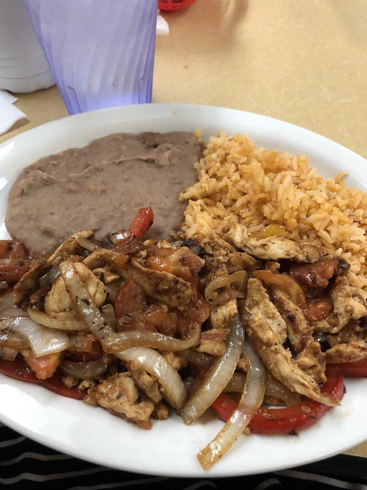 Food from Taqueria El Charro Tapatio