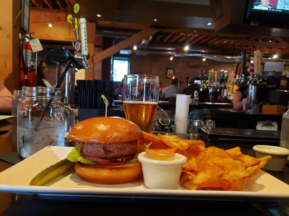 Murphy's Pub & Grill: 510 9th St, Rapid City, SD