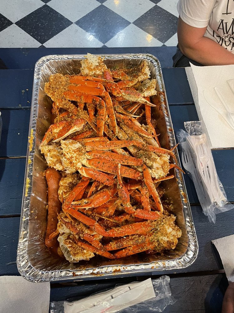 Cowboy Crabs and Seafood: 1084 N Tamiamitrail, North Fort Myers, FL