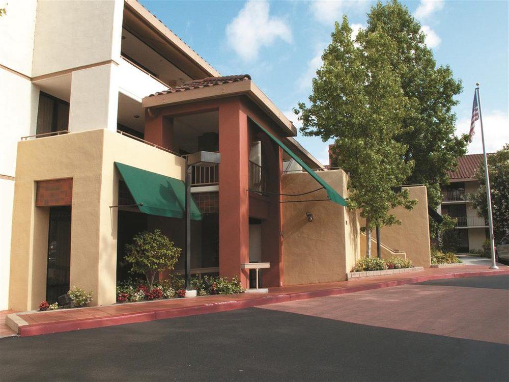 La Quinta Inn & Suites Thousand Oaks-Newbury Park: 1320 Newbury Rd, Thousand Oaks, CA