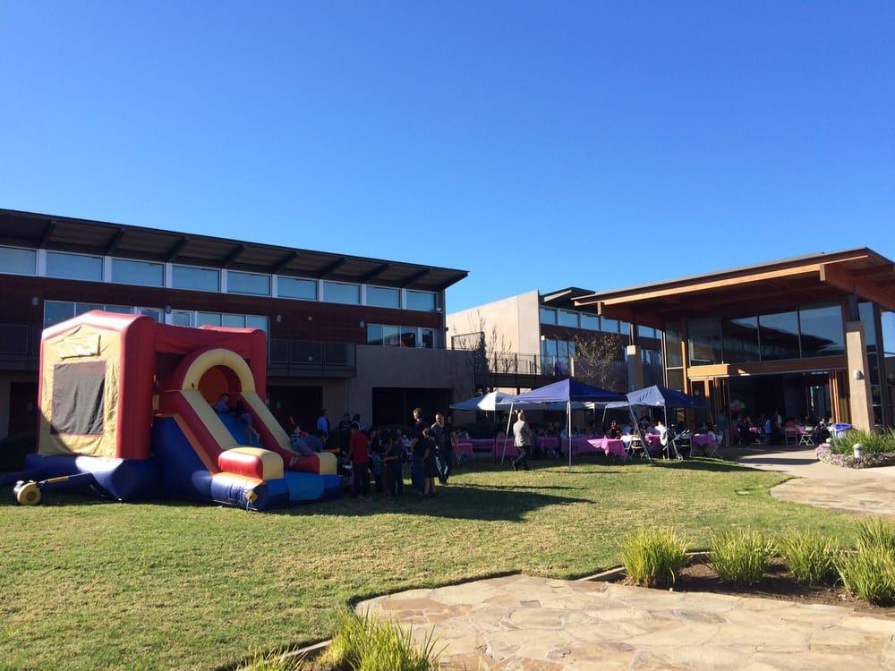 Francis parker school primary schools 6501 linda vista for Vista pri