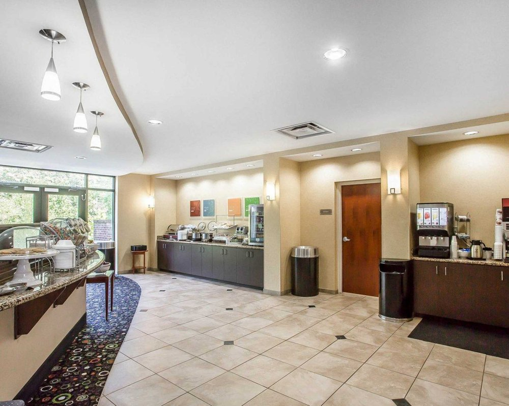 Comfort Suites: 152 Hospitality Blvd, Manchester, TN