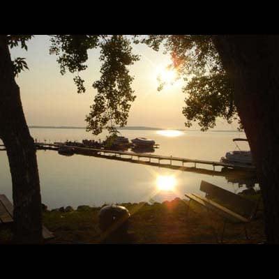Sand Bay Resort: 405 Washington Ave N, Battle Lake, MN