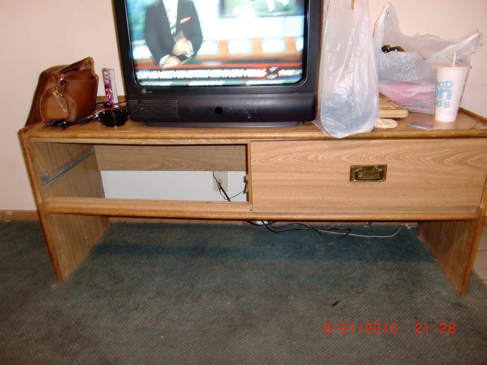 Photo Of Seven K Motel   Garden City, ID, United States. Broken Furniture
