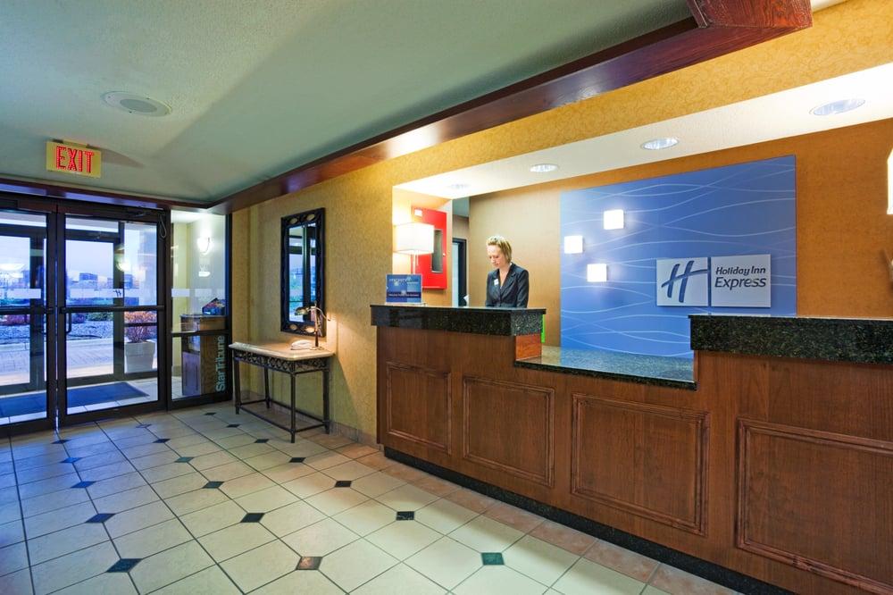 Holiday Inn Express & Suites Minneapolis
