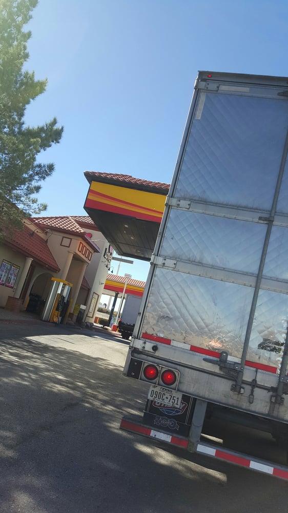 Love's Travel Stop: 643 State Rd 90, Benson, AZ