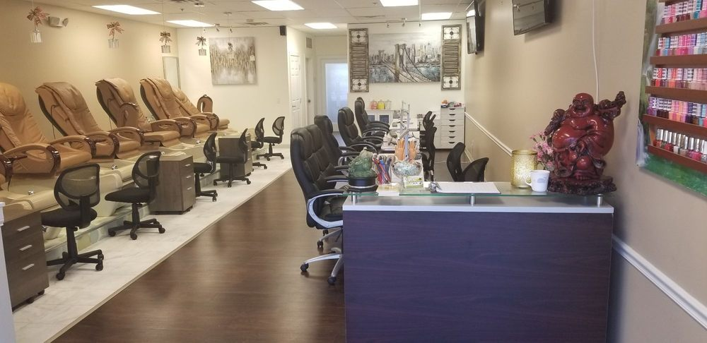 Professional Nail Spa: 4318 Plainfield Ave NE, Grand Rapids, MI