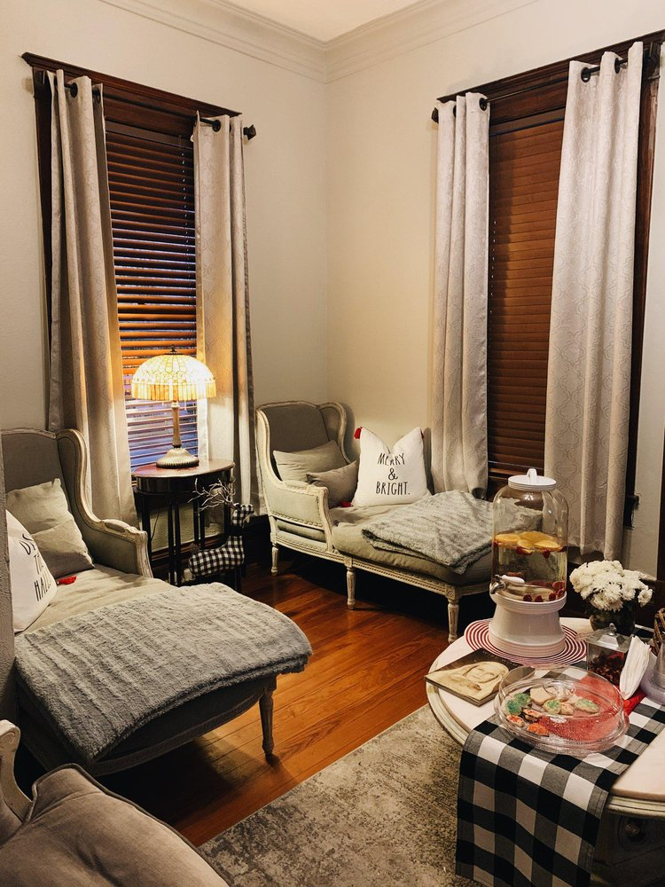 The Woodhouse Day Spa - Victoria: 609 N Wheeler St, Victoria, TX
