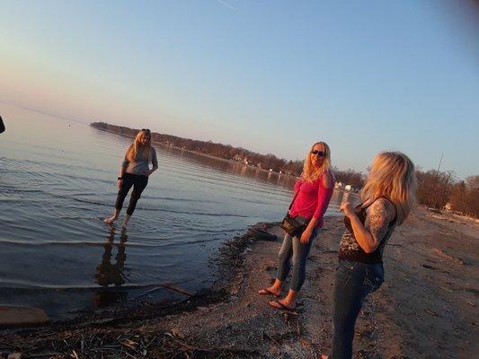 Turtle Joes Sand Bar - 20 Reviews - Bars - 8966 Lake Shore