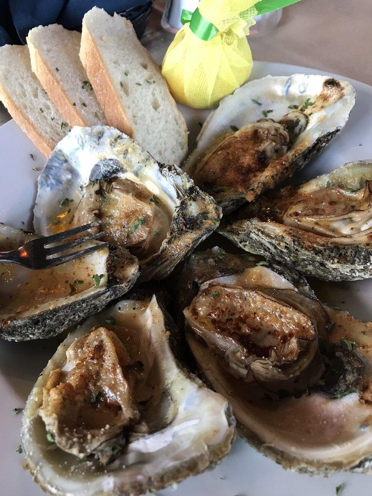 Blue Bayou Bar &  Grill: 5000 S Beach Blvd, Bay St. Louis, MS