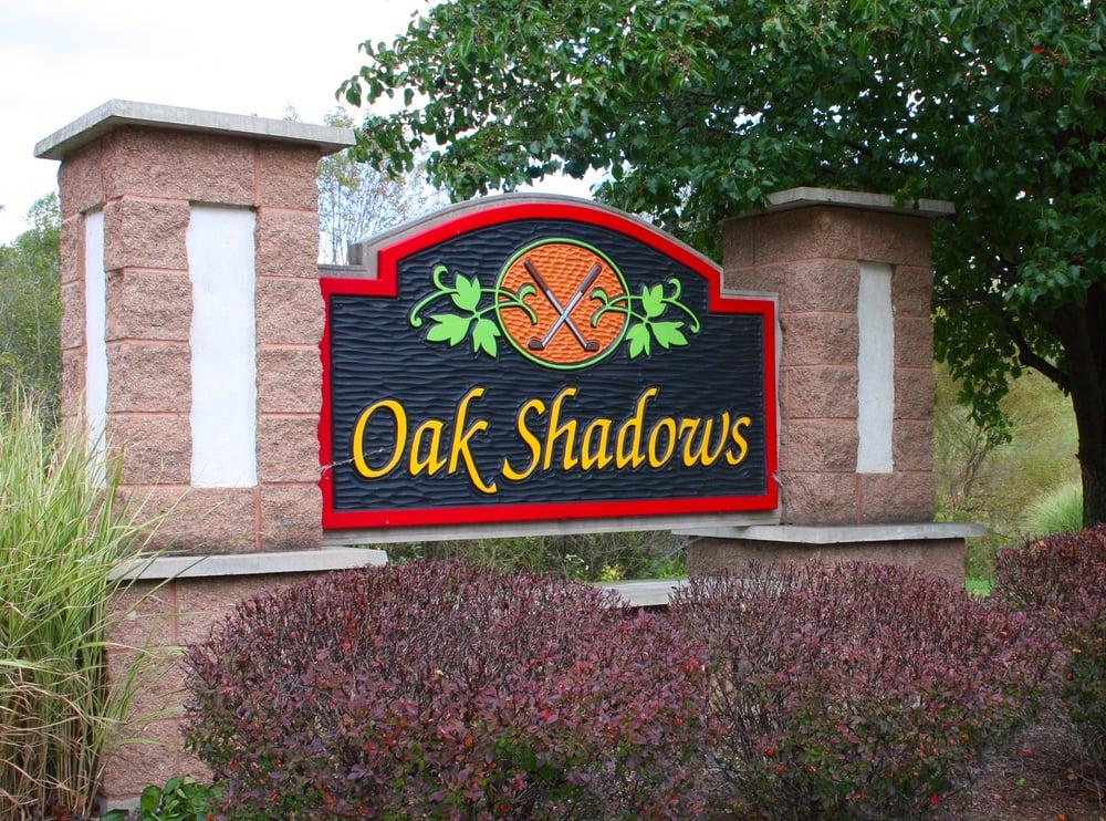 Oak Shadows Golf Club: 1063 Oak Shadows Dr NE, New Philadelphia, OH