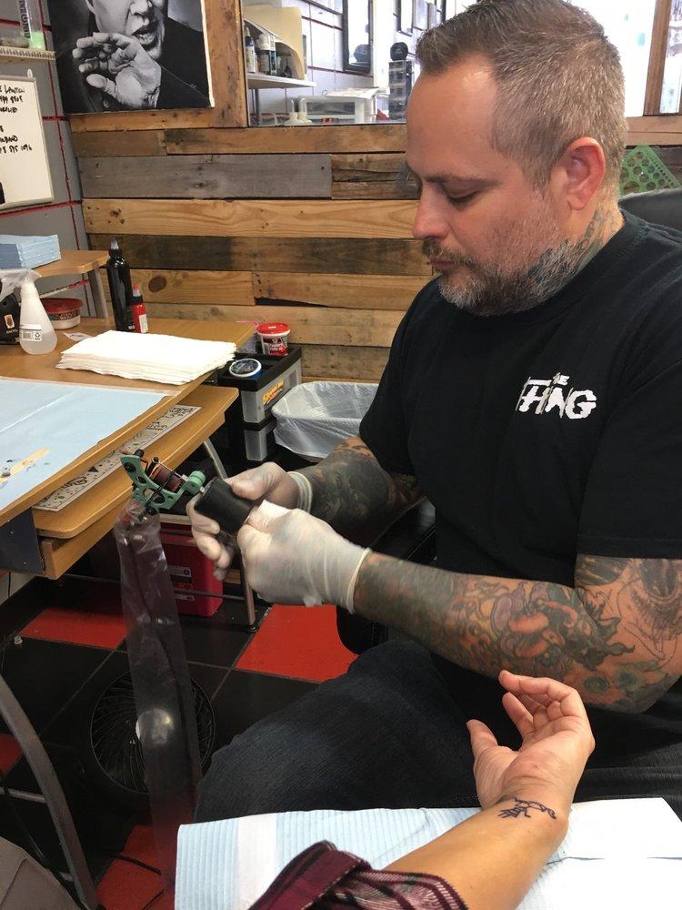 Atomic tattoos 12 billeder tatovering 2405 florida for Atomic tattoo lakeland fl
