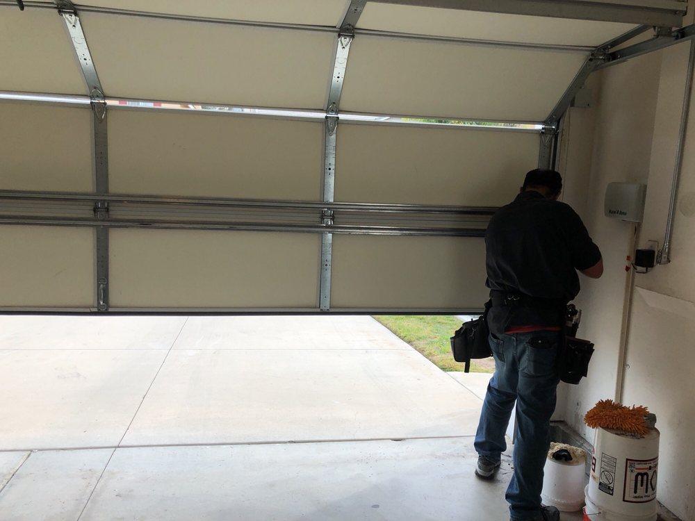 Budget and Quality Garage Door: Lake Elsinore, CA