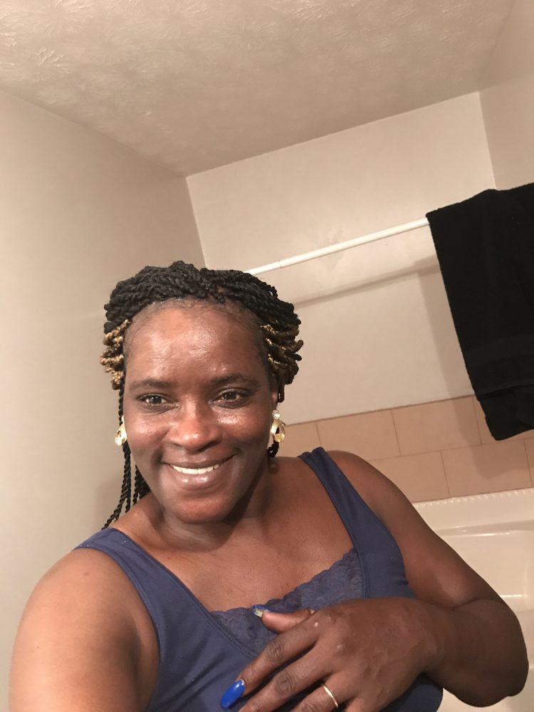 Gloria's African Hair Braiding: 4713 Raleigh Rd, Temple Hills, MD