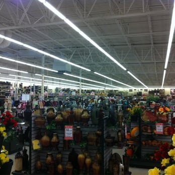 Hobby Lobby Hobby Lobby stores in Louisville - Hours, locations and phones Find here all the Hobby Lobby stores in Louisville. To access the details of the store (locations, store hours, website and current deals) click on the location or the store name.