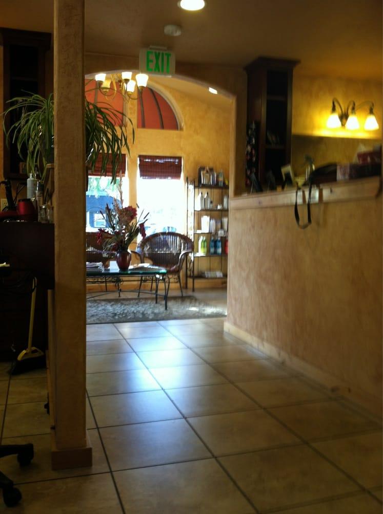 Hip chicks salon friseur 322 nw 7th st redmond or for 7th street salon